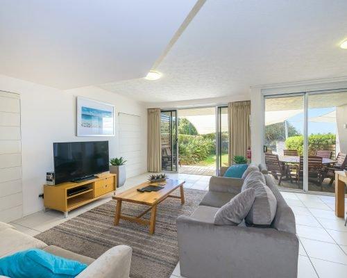 three-bedroom-beachfront-villa-apartment-2